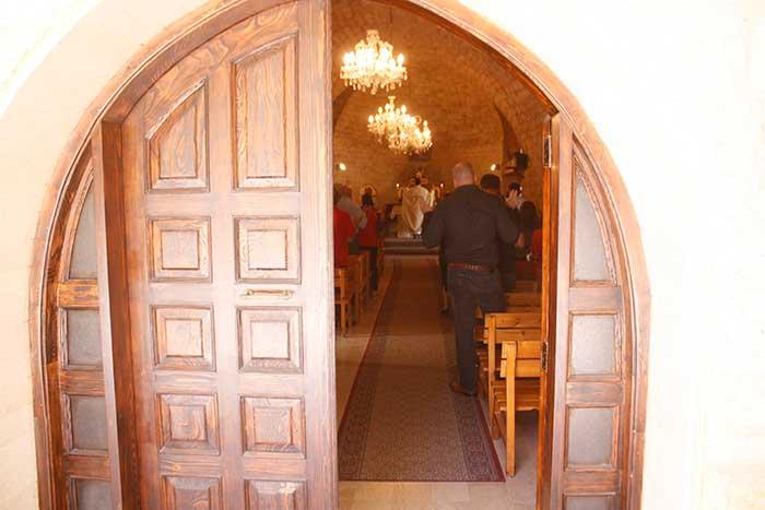 كنيسة سيدة البشارة العجائبية _ بعبدا-8