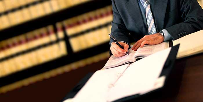 المحامون جنود القانون